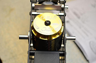The Scorpion motor uses up all of the available space between the narrow frames.