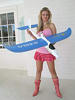 Name: EasyStar from Paddy Oldpilot Carolyn  easy_pose.jpg