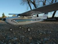 Name: Cessna_182.jpg
