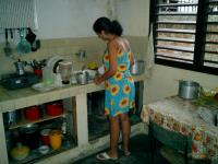 Name: Anet en la cocina.JPG