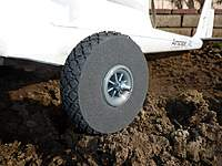 Name: Tundra DL dirt closeup.JPG