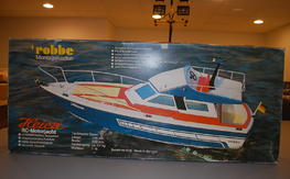 Robbe Heica RC Boat Cruiser Yacht (early Topkapi) Motor and hardware included