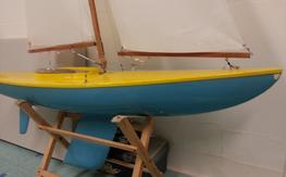 SOLING 1m Sailboat w radio and stand