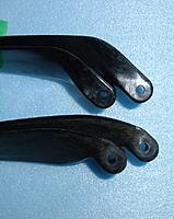 """Name: Prop offset.JPG Views: 31 Size: 176.2 KB Description: Two Aeronaut props (13x6.5"""" top, folds OK; 14x9"""" bottom, doesn't fold properly) showing the difference in offset between the plane of the blade and the pivot."""