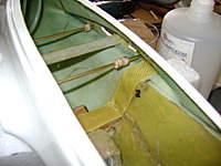 Name: DSC00682.jpg Views: 280 Size: 26.6 KB Description: Detalle del alcance asi como de las piezas de contraenchapado colocados dentro de los tubos de bronce,  luego se fijar�an a los extremos internos del fuselaje.