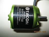 Name: Tacon 32 motor pictures 006 - resized for RCG.jpg