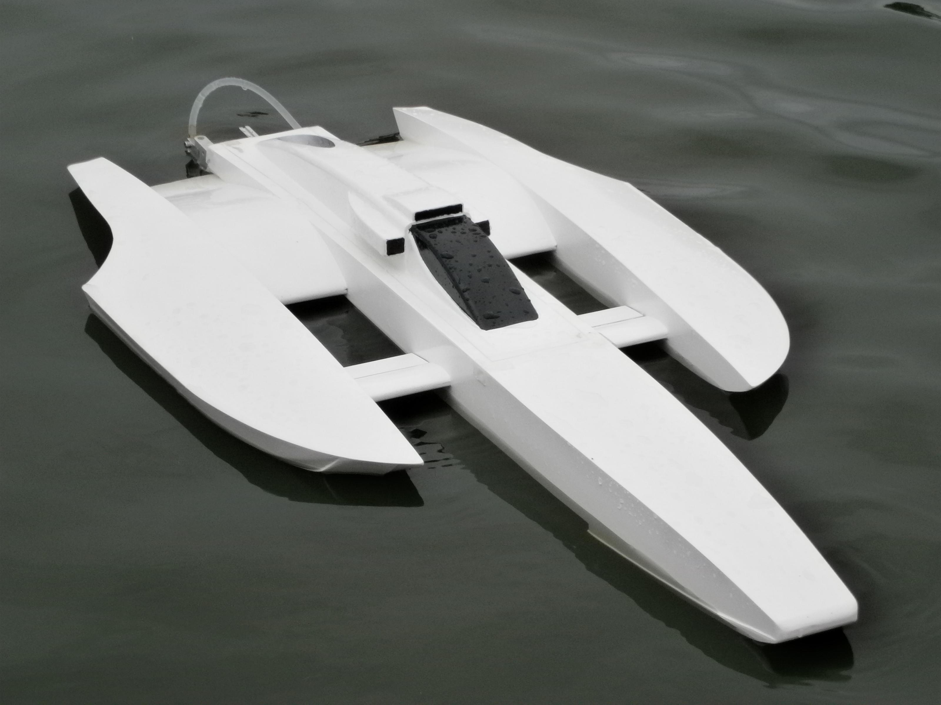 Name: 005.jpg Views: 32 Size: 328.9 KB Description: Sea Eagle Canard. ML Boatworks kit converted to a Canard configuration. HET  700-83 1080kv motor, Seaking 130A HV  esc, 8s lipo, X450/3 blade prop.
