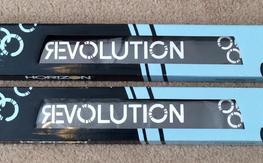 NIB Revolution 710mm  Blades