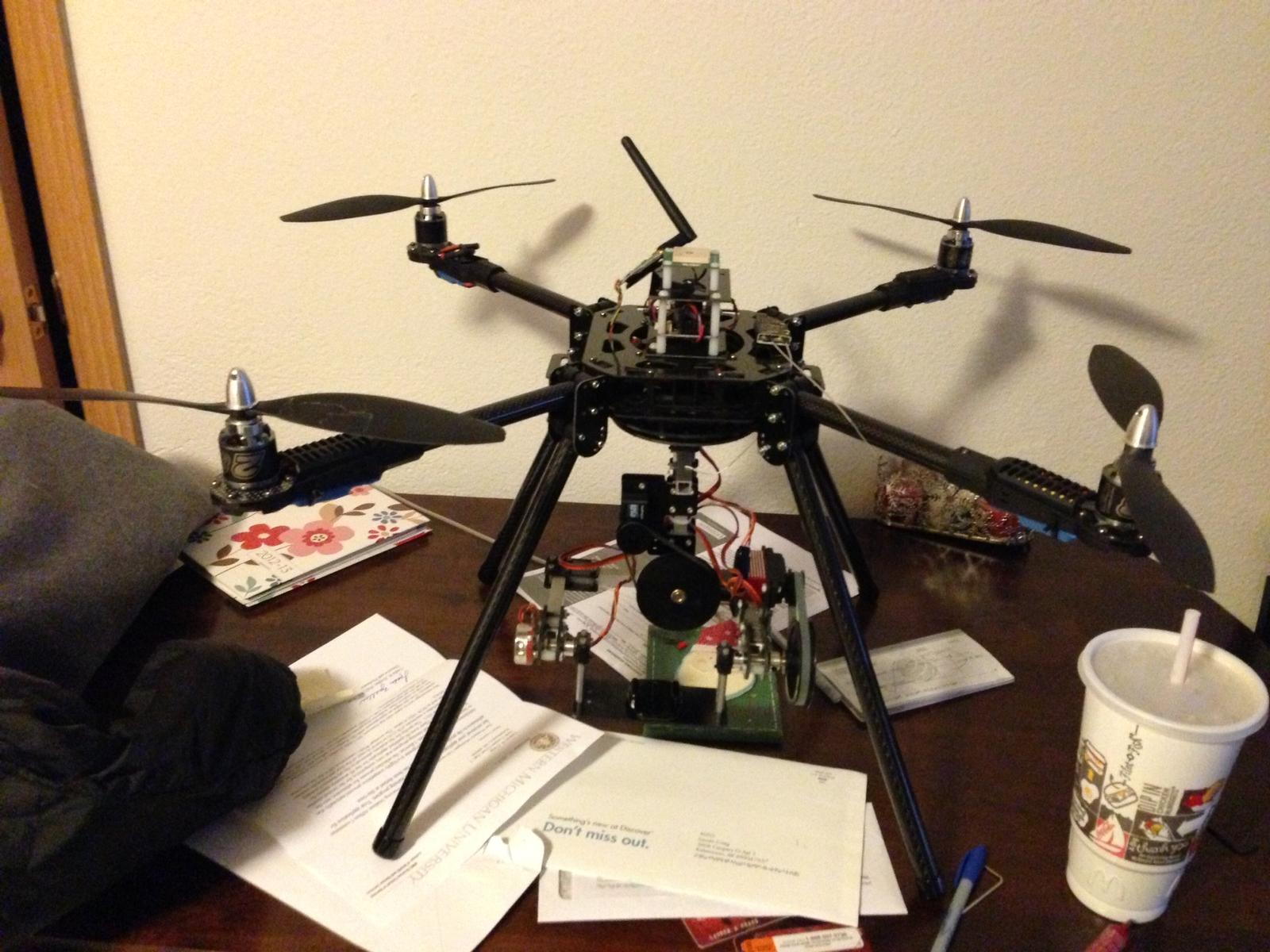 shows landing gear and damper, no gimbal included