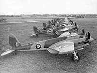Name: 800px-De_Havilland_Mosquito_IV_ExCC.jpg