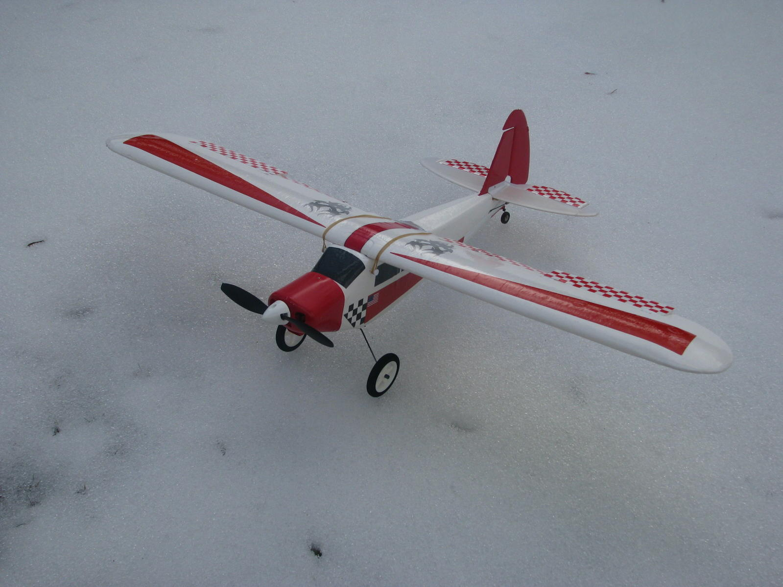 My Hobbyzone SuperCub with flaps and ailerons compliments of my great friend from Tennessee!! Thanks Decuzar...Custom trim for high visibility suitable for old eyes... Soon to be maidened - soon as the snow goes...