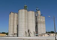Name: Nebraska_grain_elevators.JPG