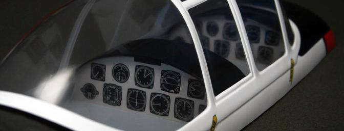 Very nice cockpit detail, but where are the pilots?