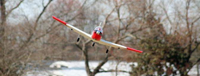 Head-on views of the T-34 are just so much fun.  Look at that nice, thick wing.