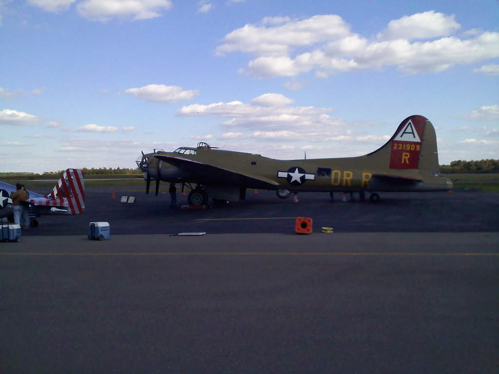 Name: B-17 1.jpg