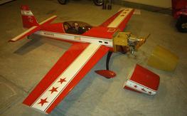 Carden Aircraft Extra 300S - 30% 70cc!!
