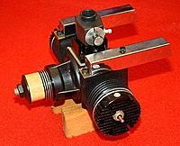 Name: Ross_60_twin_reed_engine_03.jpg