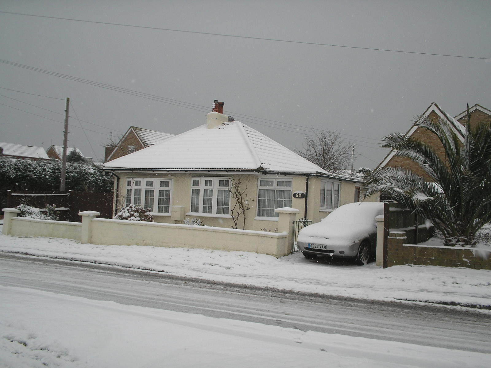 My little Bungalow in the snow