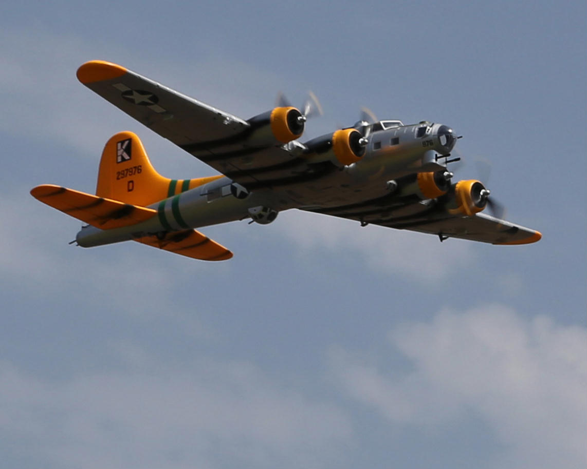 My Starmax B-17 in flight. Photo by Mike.