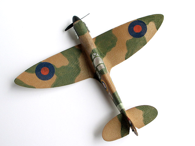 1/72 scale Spitfire  2.95g