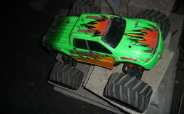 Traxxas emaxx with new lipo batteries