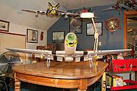 Name: Sandancer-Starmax Gunfighter_Build_Landing-Gear_5-17-2011_0000.jpg