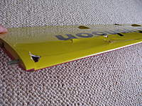 Name: IMG_1716.jpg Views: 193 Size: 126.5 KB Description: Borde de ataque, se aprecia que solo se rompio cerca de la raiz del ala, por lo demas el borde continua intacto. El recubrimiento superior esta da�ado.