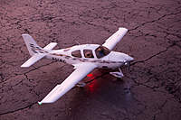 Name: Cirrus Sr22.jpg
