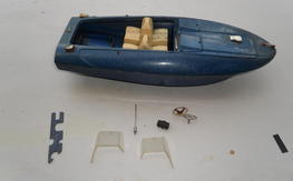 Cox sea bee with extra engine and box cover
