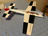 Name: Extra300-bottom.jpg