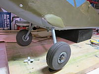 Name: L-5 landing gear. 2012-02-20 001.jpg