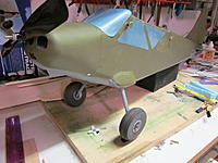Name: L-5 landing gear. 2012-02-20 002.jpg