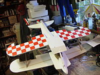 Name: RIMG0005.jpg Views: 138 Size: 250.1 KB Description: Lower wing checkerboard and plastic lamination over skid section.