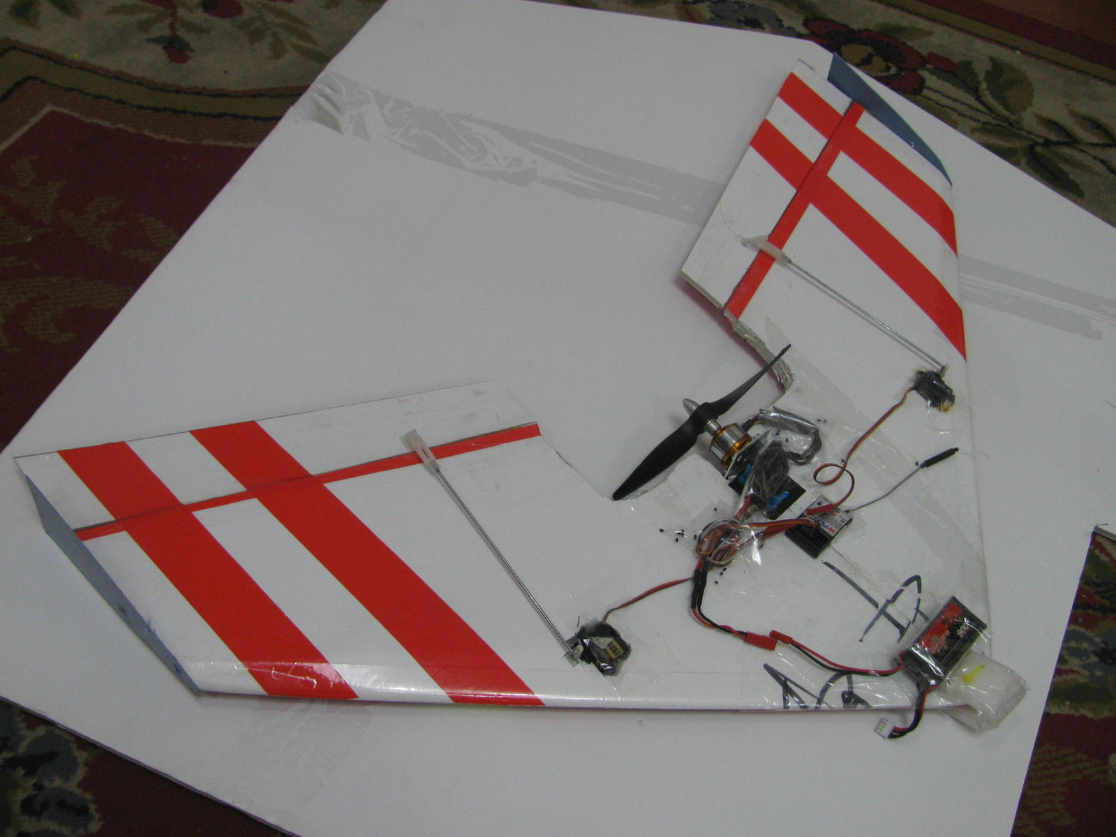 rc Boneyard Wing made from foam with laminate to strengthen middle section