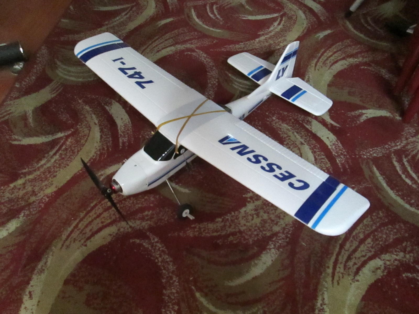 rc cessna TW-747-1 with brushless, lipo, prop saver
