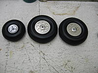 "Name: IMG_1455.jpg Views: 267 Size: 187.1 KB Description: 3"" and 4"" wheels"