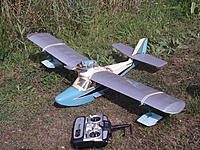 """Name: 27 Jul 13 005.jpg Views: 55 Size: 325.7 KB Description: 42. David Bintcliffe's """"Blue Goose"""", a French design converted to electric power and with tip floats instead of sponsons"""