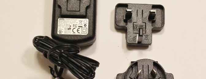 The power converter and the assortment of clips for international use