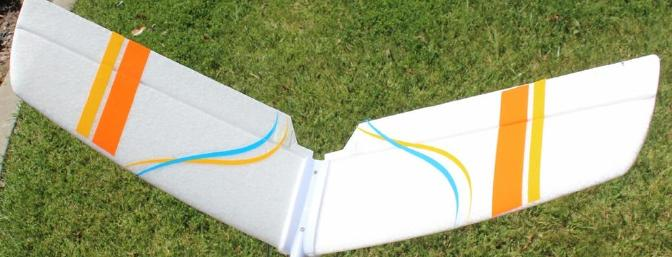 Richard's V-Tail is secured in place in a plastic mount with Foam-safe CA and screws.