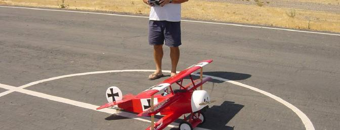 Jeff Hunter performing a final preflight check before the maiden flight.