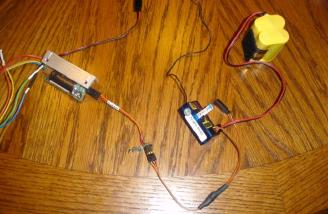 Here we see the battery and sound card plugged into the receiver and the amplifier.