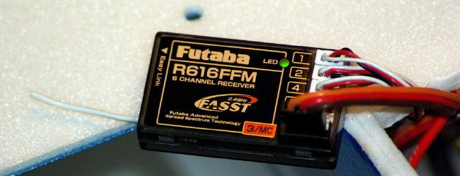 The Futaba R616FFM 2.4 Ghz receiver is small and light thanks to its use of micro connectors for the servos