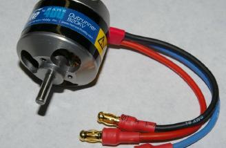 Closeup of the 920kv E-Flite brushless outrunner. It�s a little gem!