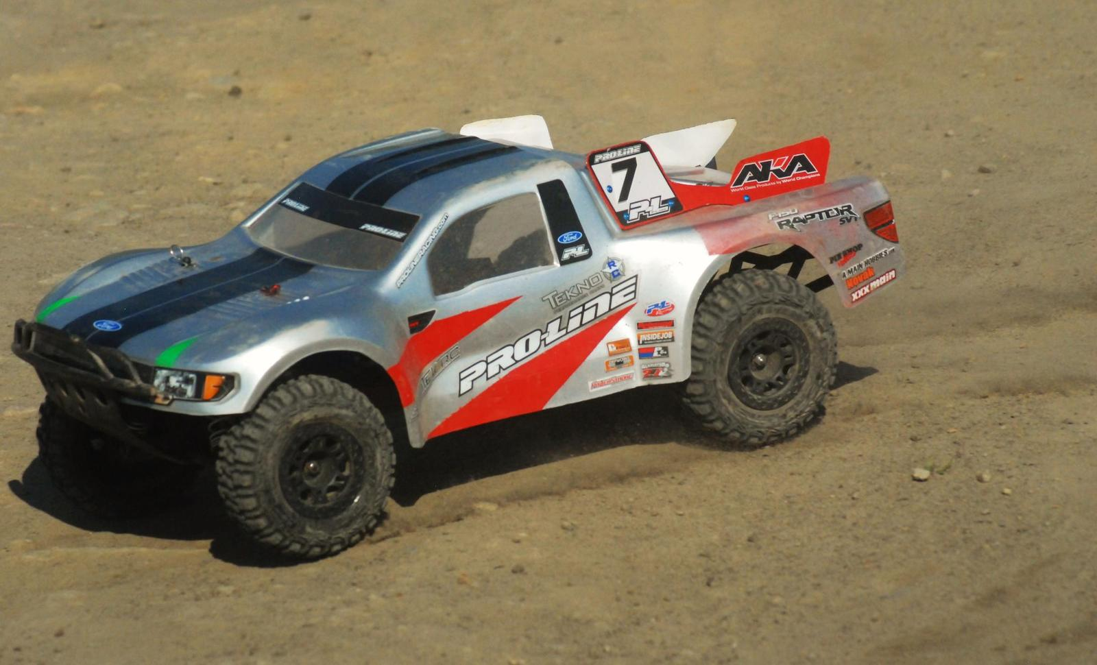 Traxxas slash with proline ford raptor body
