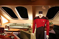 Name: 800px-Enterprise-D_crew_quarters.jpg Views: 42 Size: 63.7 KB Description: This is off to one side of my walk in closet.