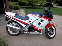 Name: VFR750.jpg