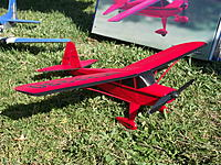 Name: DSCF5718.jpg Views: 231 Size: 326.3 KB Description: Nice 3/4 view shows off the simulated ribbing on the main wing, which, BTW, is a FULL AIRFOIL!