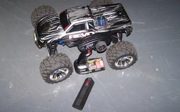 Traxxas Revo 3.3 Super Clean! Ready To Run Just needs your TX batteries