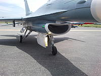 Name: Freewing 90mm F-16 Landing Gear Posture 2.jpg