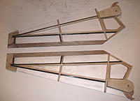 Name: secondary wing spars - ribs.jpg Views: 143 Size: 190.4 KB Description: Internal structure with ribs and secondary balsa spars.